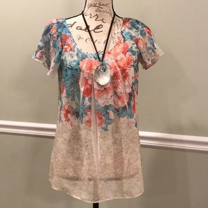 Tops - Pretty Floral Spring Blouse